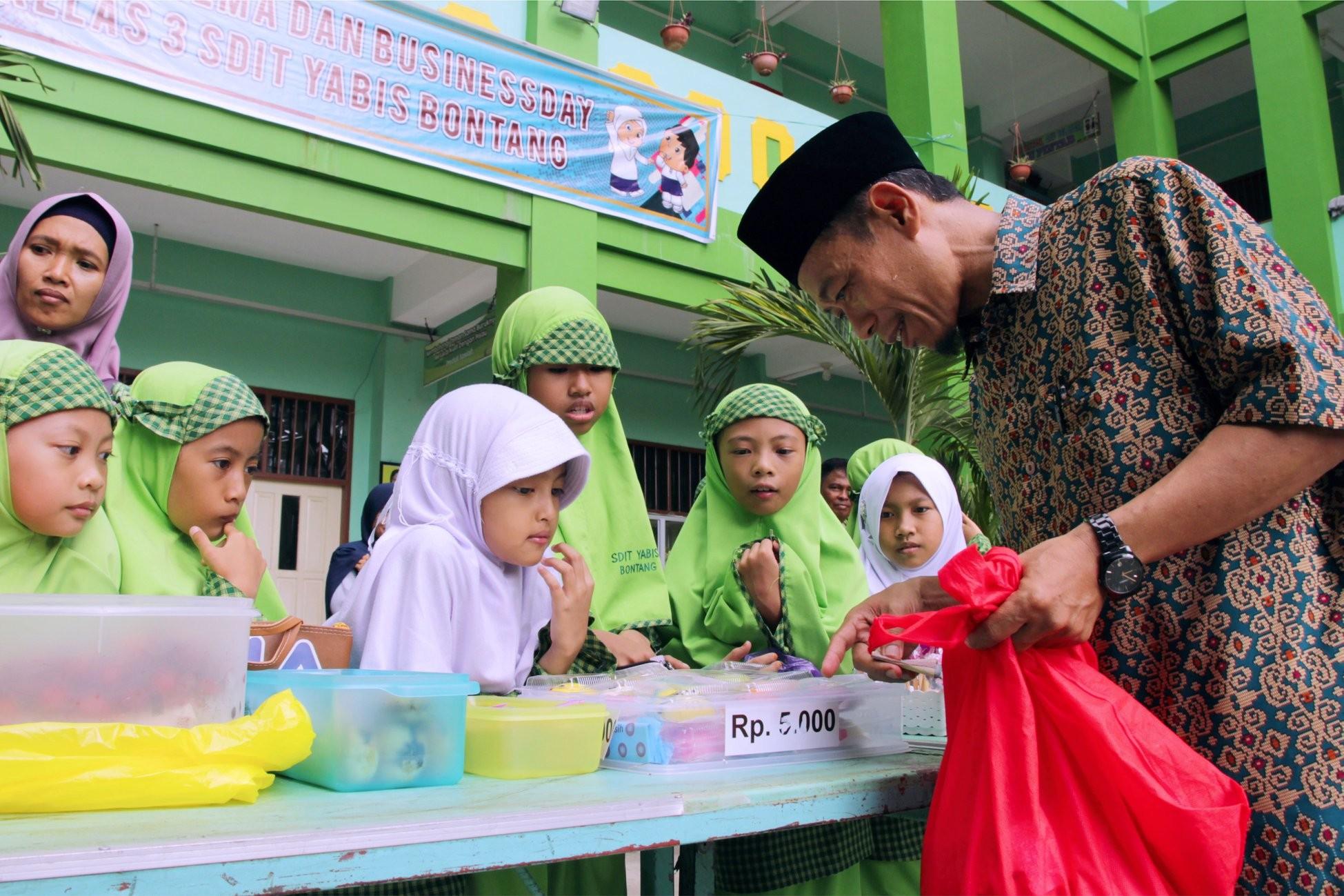 Kuatkan Karakter Berniaga dan cinta Olahan Nusantara, Siswa SD IT YABIS Ikuti Buisness Day